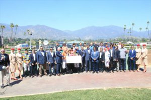 Read more about the article Hall of Fame jockeys Mike Smith, Gary Stevens and Laffit Pincay Jr. accept donation